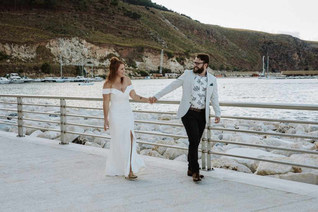honeymoon photography elegant portrait in sicily, walk