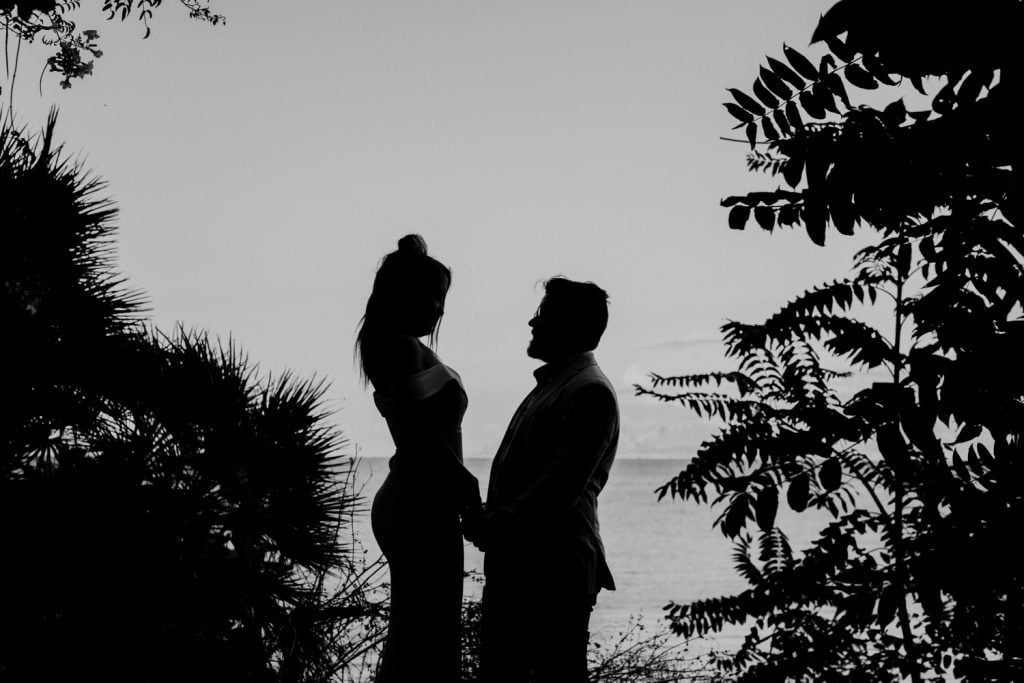 honeymoon photography elegant portrait in Sicily silhouette