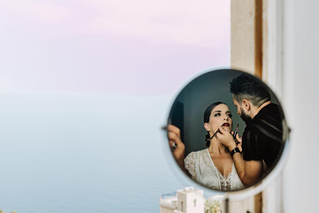Fase trucco in Matrimonio nella costa di Taormina, Sicilia