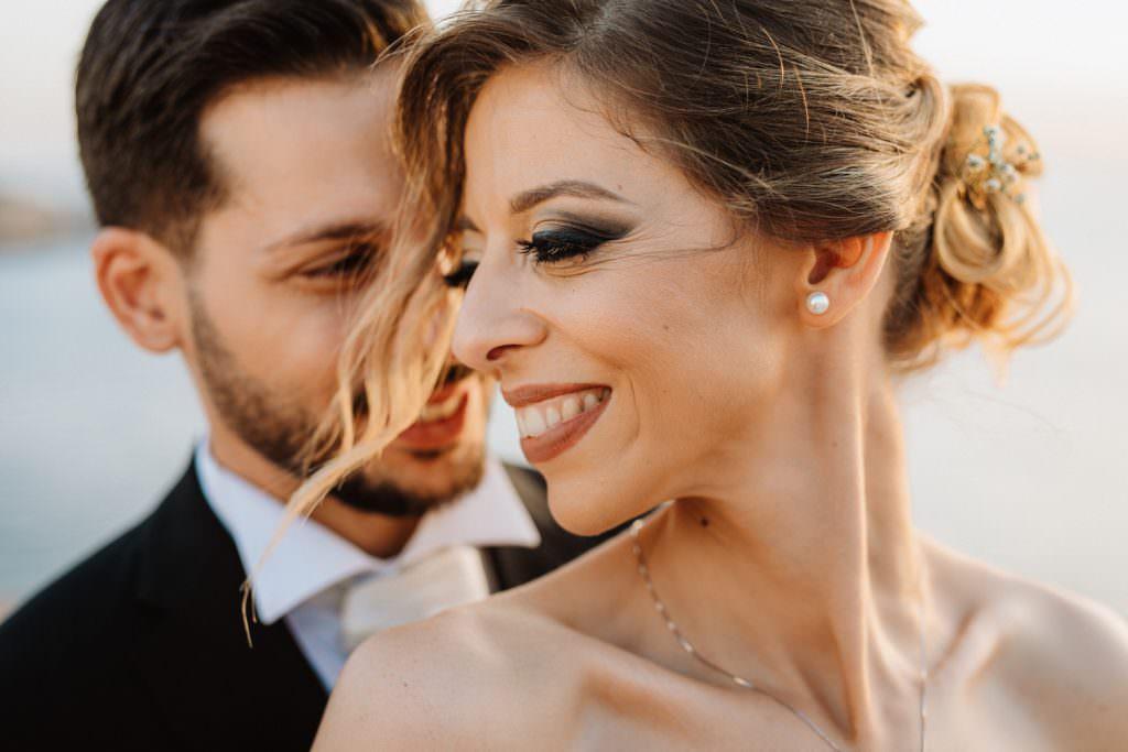 Ritratto di coppia di un matrimonio elegante a Palermo, Cala Rossa