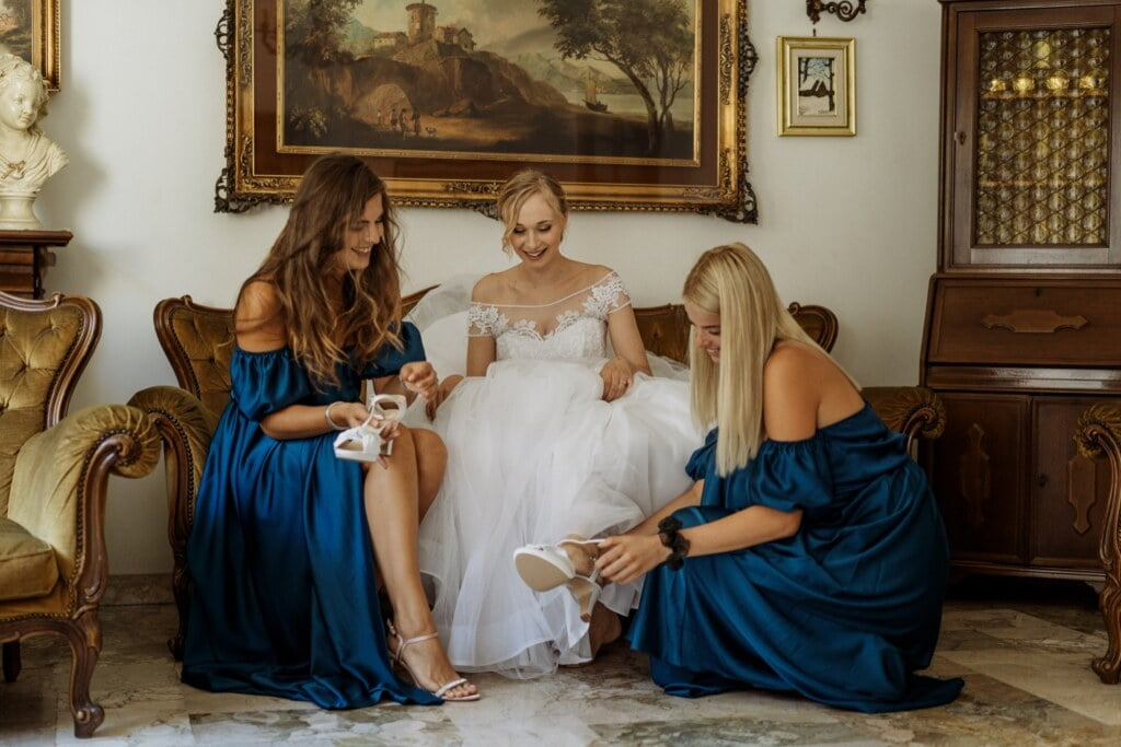 Getting ready in elegant destination wedding in Sicily