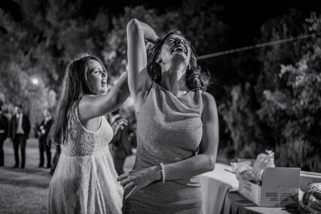 Dance in elegant destination wedding in Sicily
