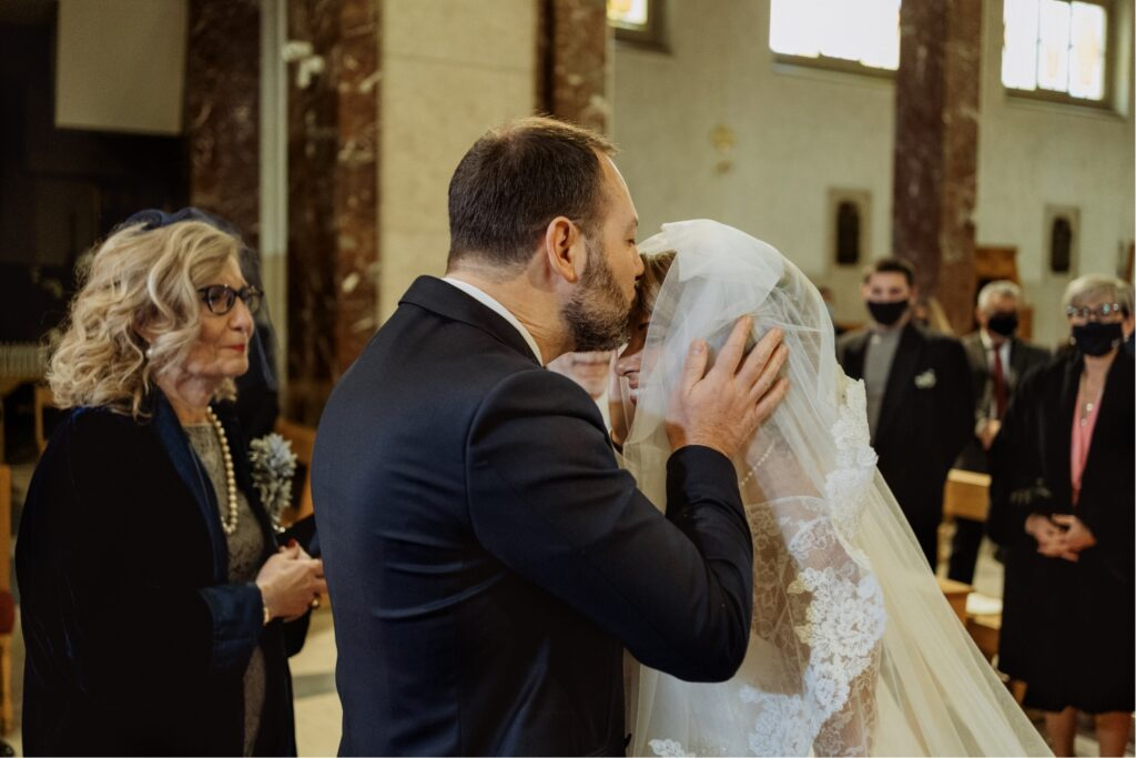 meet between bride and groom
